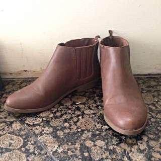 GAP 褐色踝靴