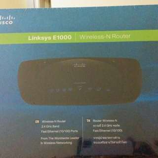 CISCO Linksys E1000 2.4 GHz Wireless Router (up to 300mbps)