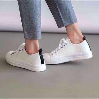 正韓皮革休閒白鞋