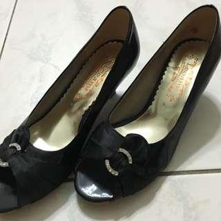 極新 黑色素高跟鞋