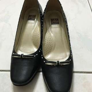 半價!!阿瘦皮鞋 女素面黑色高跟鞋