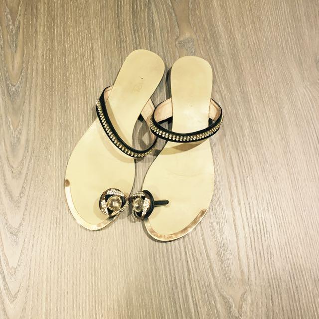 含運🎀水鑽夾腳拖鞋37碼