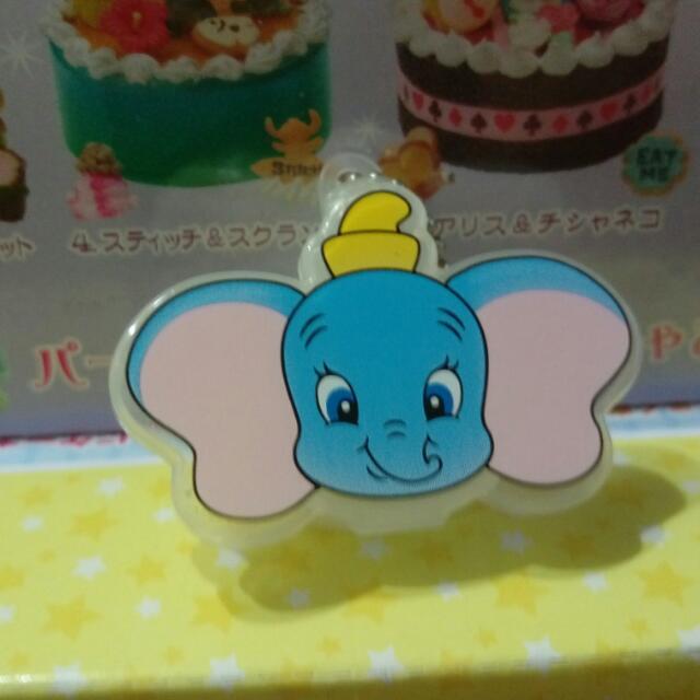 迪士尼扭蛋玩具小飛象迷你盒子