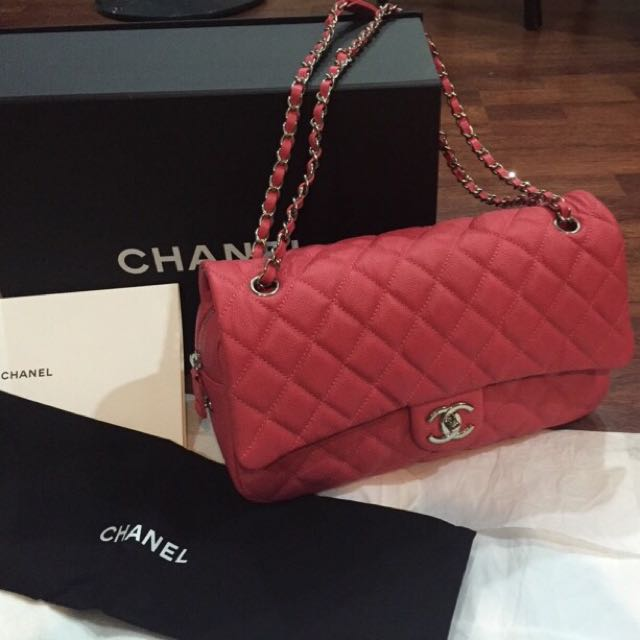 26b43fbdca5d1f BNIB Chanel Easy Caviar Jumbo Pink, Luxury on Carousell