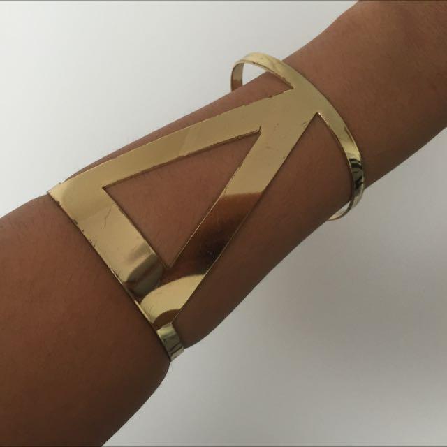 Gold V Bracelet