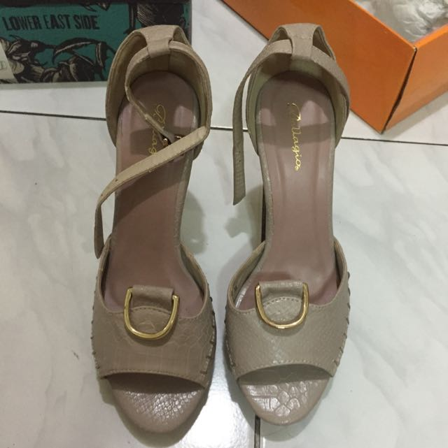 Preloved Bellagio Cream Size 38