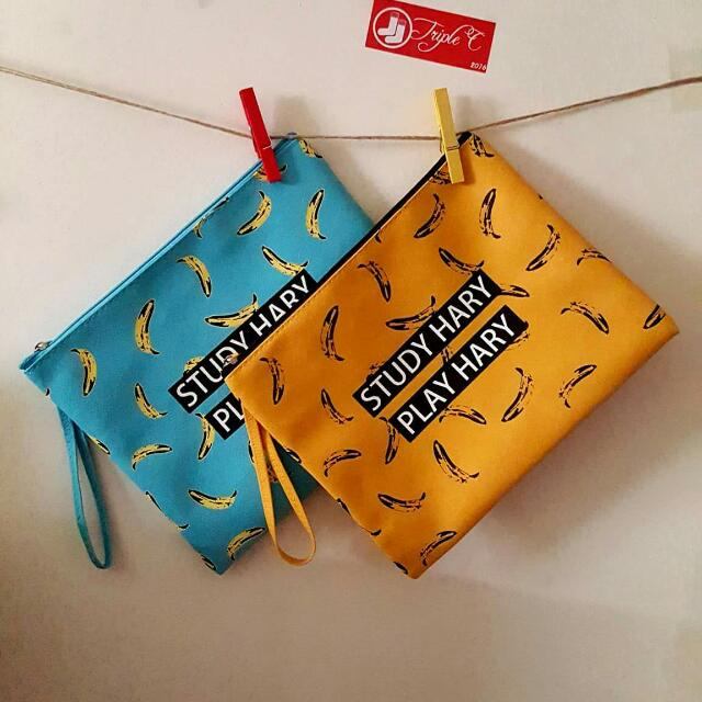【TripleC 現貨】韓版香蕉圖 手拿包