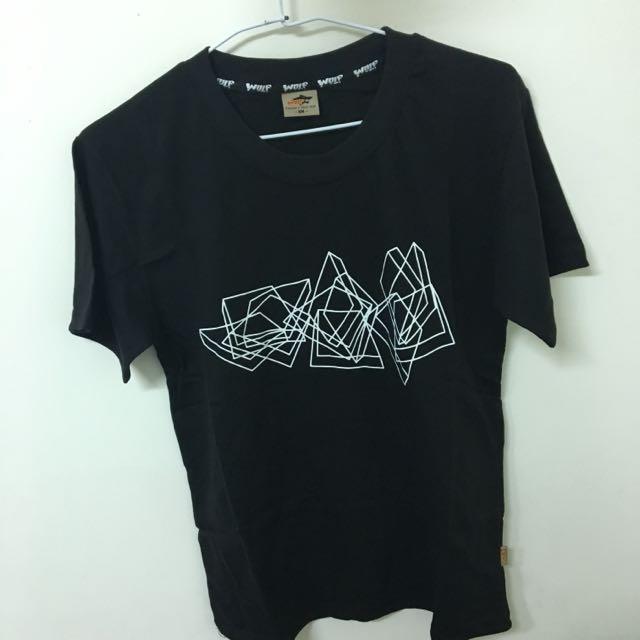 WOLF 幾何圖形黑色T恤