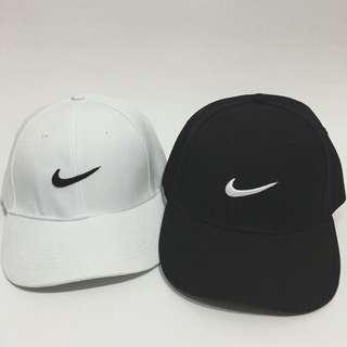 百搭素色Nike復古帽