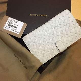 全新 Bottega Veneta 鹿皮中長夾