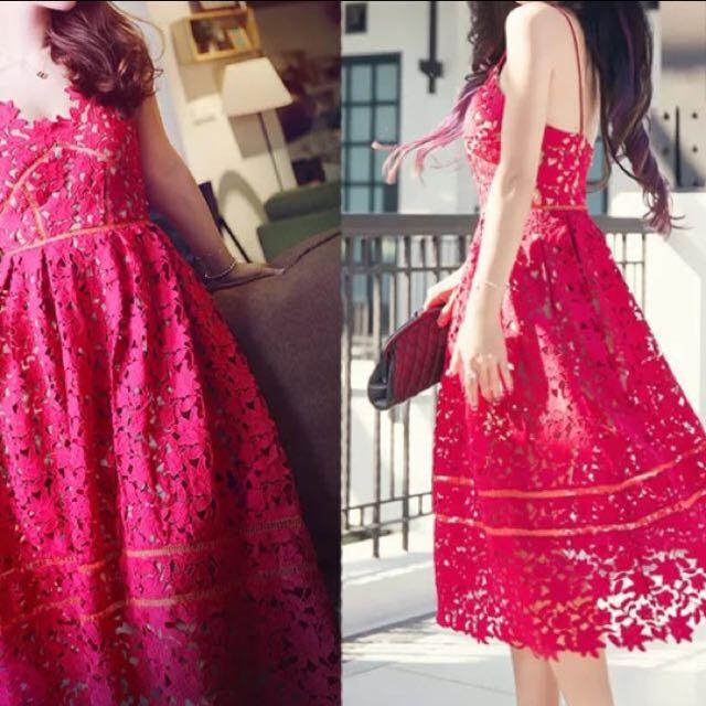 玫紅色蕾絲裸空長洋裝含運800