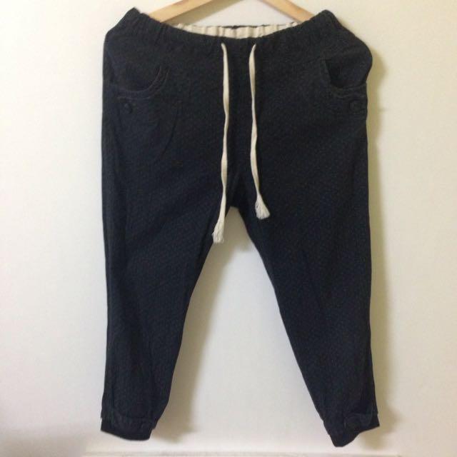 縮口8分黑褲