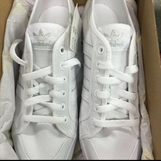 愛迪達帆布鞋 降價售出 22.5