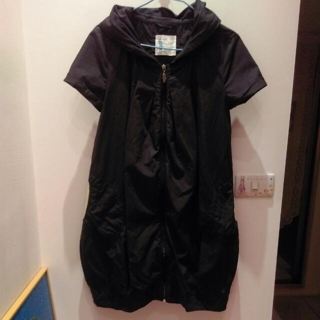 (免運費。交易進行中)a la sha深灰色連身短裙。S