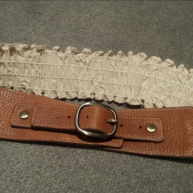 Brown Buckle With Beige Stretchable Belt
