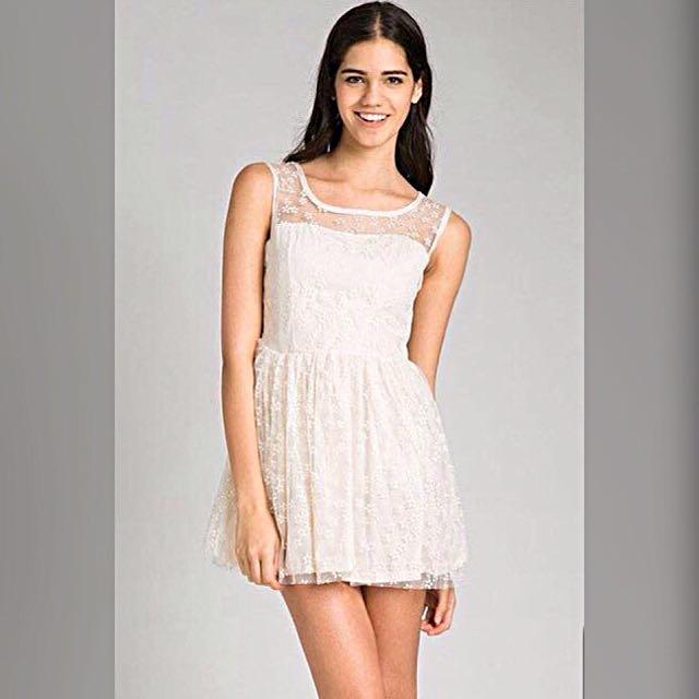 Disc 50% Cream - Full Lace Mini Dress With Black Dot (brokat)