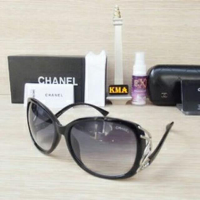 Kacamata Chanel -black-