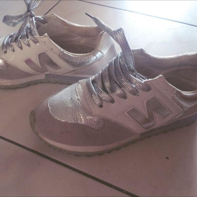 Newblance N字鞋白銀配色
