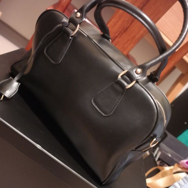 Niclaire Black Leather Handbag Hand Bag