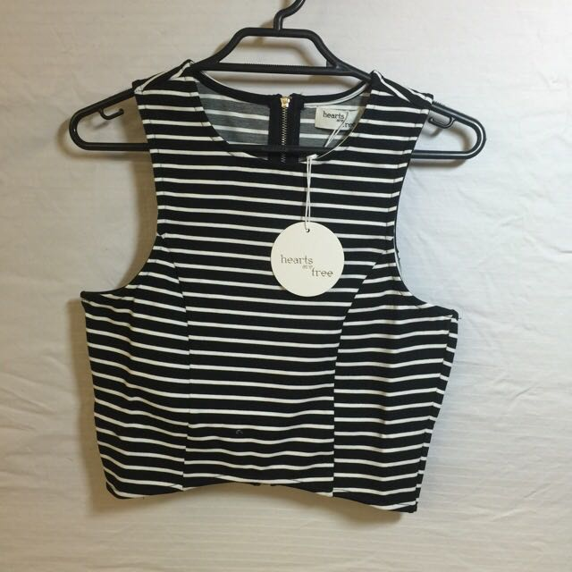 REDUCED PRICE!!! Hearts Are Free Crop, NEW WITH TAGS