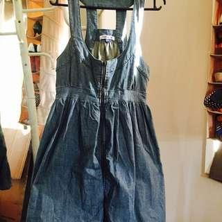 Valley girl Size 8 Bubbly Denim Dress
