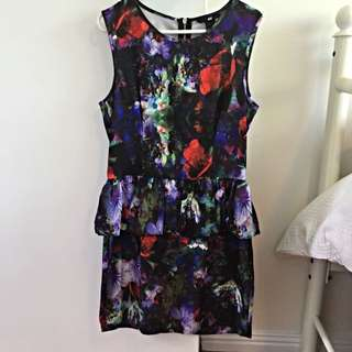 H&M PEPLUM DRESS W/ EXPOSED ZIP