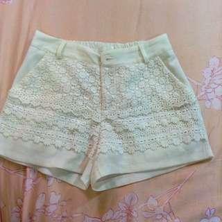 短褲No:24 #有內襯 #褲頭鬆緊帶 #白色