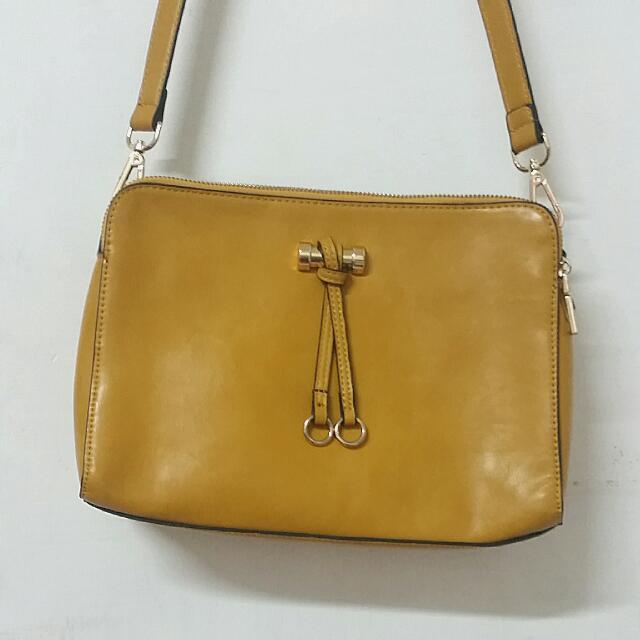 黃色手提包