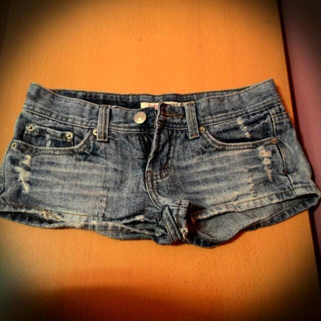 [降價!!]刷破牛仔短褲 熱褲