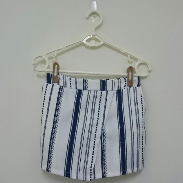 全新 韓版 條紋歐美時尚風 斜邊褲裙 S號
