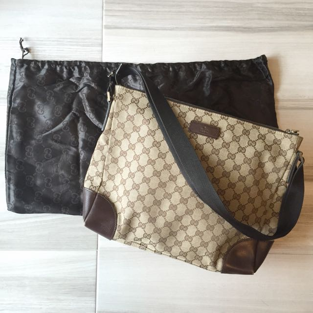 ee129f33a5f Preloved  Gucci Classic Sling Bag