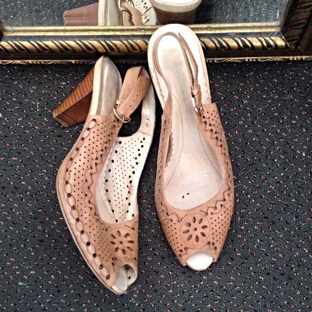 Tan Leather Peep toe Sling back Heels