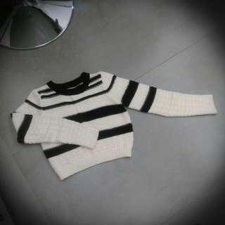 黑白色長袖短版針織毛衣