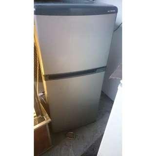 多功能,TOSHIBA雙門冰箱,可冷凍,冰冰塊
