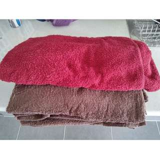 2 Oversized Bath Towels for sale