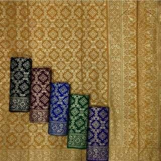 Kain Batik Benanh Emas Prada