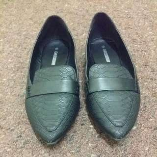 Pointed Flats size 7