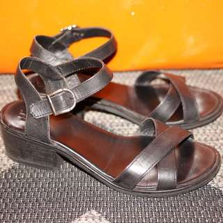 Womens Betts Leather Sandals.