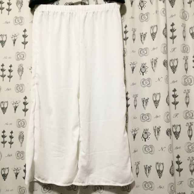白色寬口褲