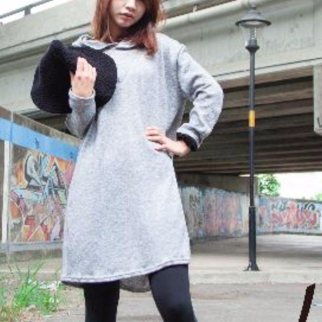 全新,百搭灰色連帽開叉針織連身裙
