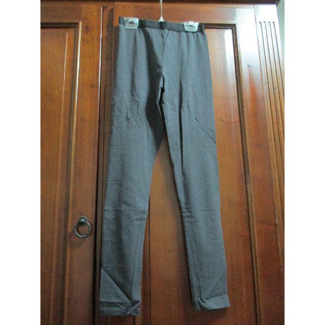 鐵灰色彈性內搭褲
