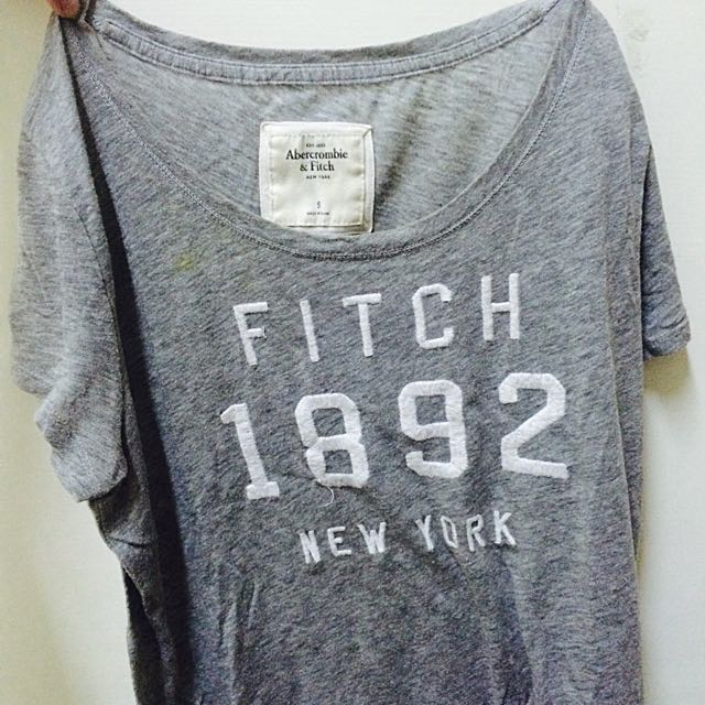 Abercrombie&Fitch 灰T