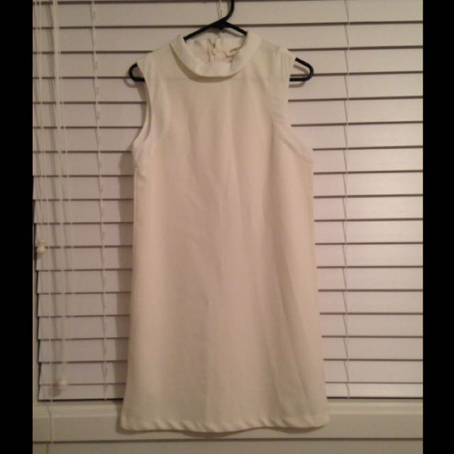 Atmos&Here Cream Shift Dress