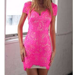 Xenia Willow Lace Dress - Hot Pink