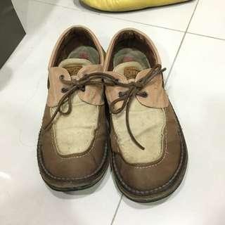 CAMPER麵包鞋