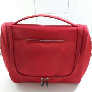 Used RED SAMSONITE TOILETRY