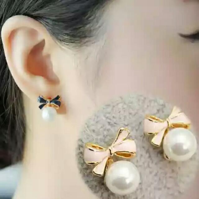 蝴蝶結珍珠軟墊夾式耳環