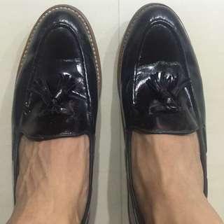 Scofield Black Leather Tassel Loafer / Shoe
