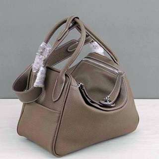 Inspired Lindy Bag. Color Etoupe.