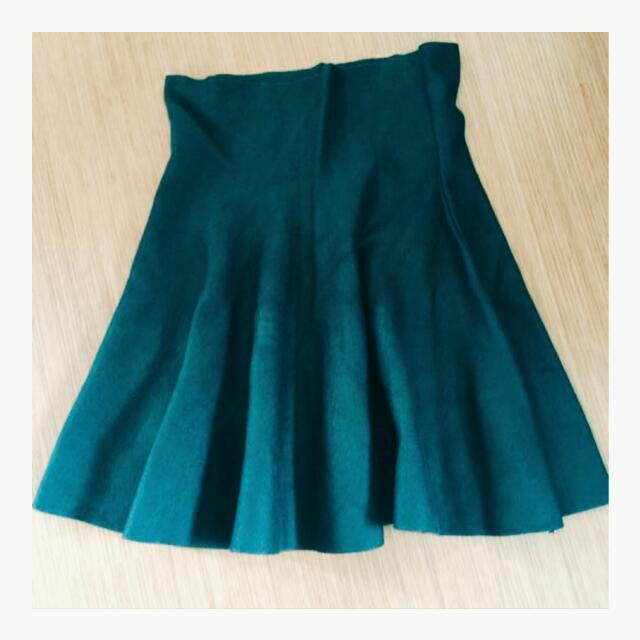 針織綠色大波波高腰短裙